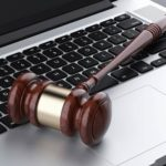Le projet de loi séparatisme pour des mesures contre les contenus illicites en ligne
