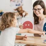 Comment choisir une école pour son enfant autiste ?