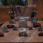 Comment choisir une plaque funéraire pour les obsèques d'un proche ?